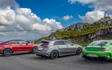 Varios de los modelos de la caravana de Mercedes-AMG