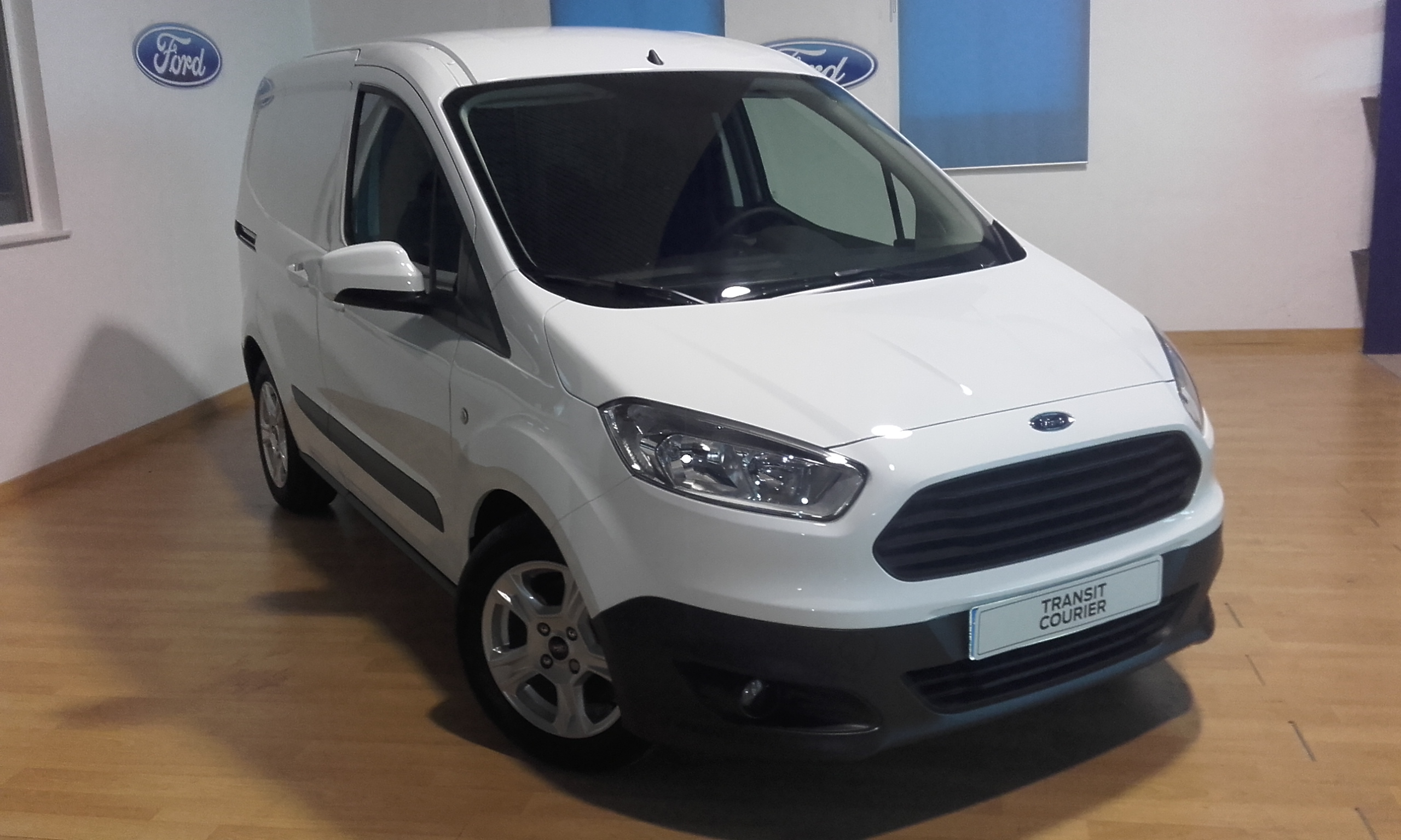 FORD-Transit Courier-Trend 1.5 TDCi 95CV