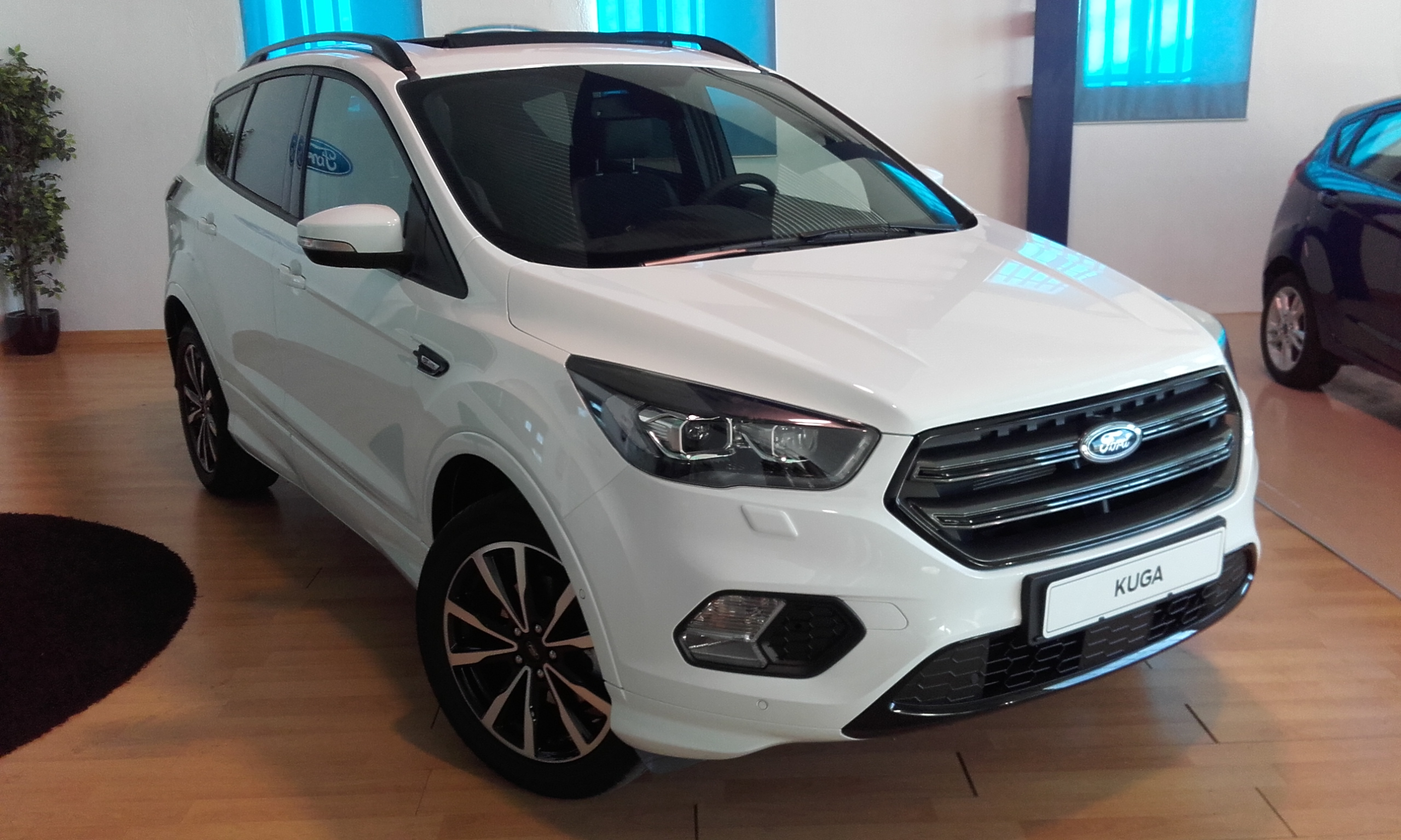 FORD-Kuga-ST-Line 1.5 EcoBoost 4x2 Auto S&S