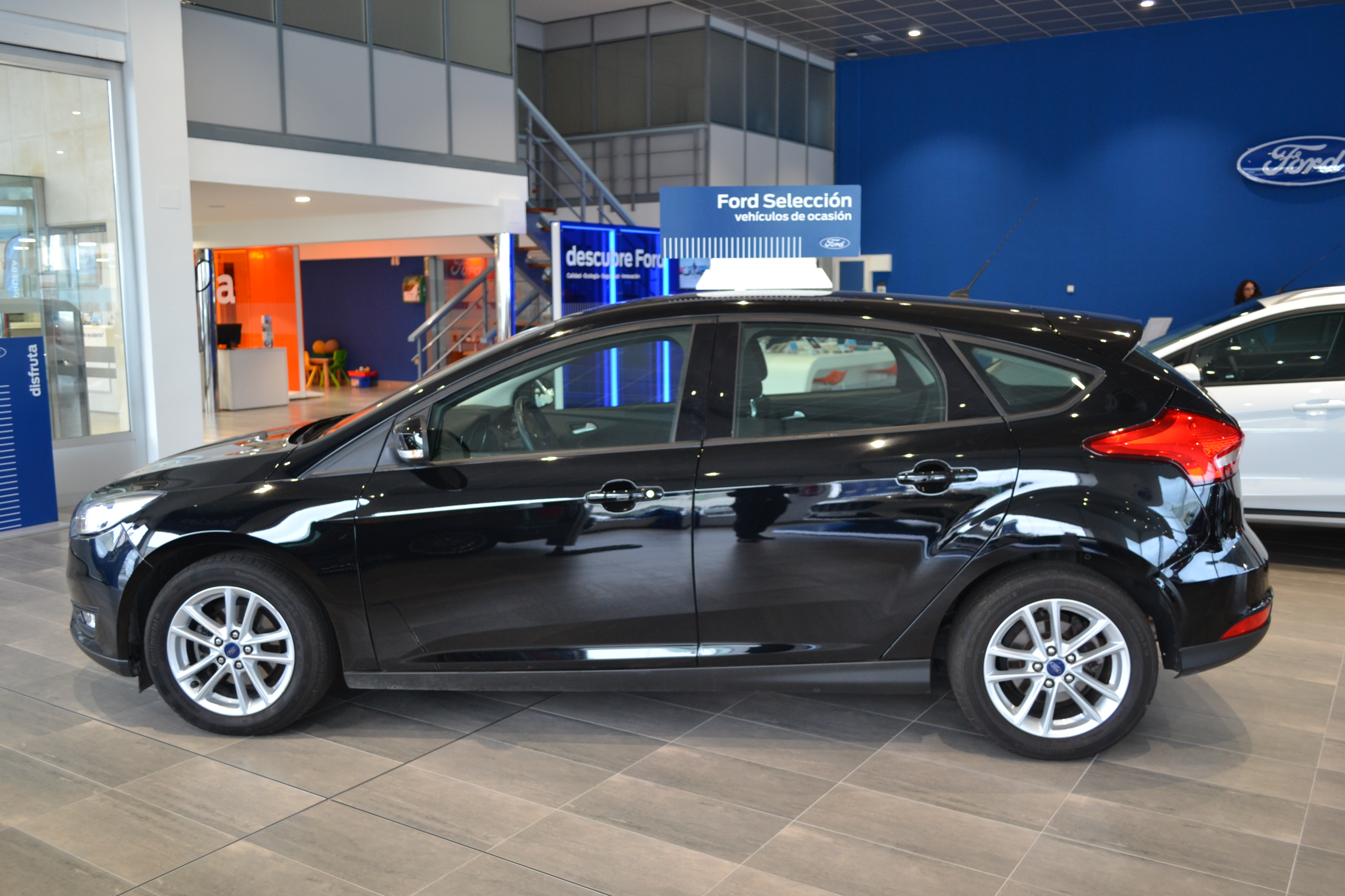 FORD-FOCUS-TREND
