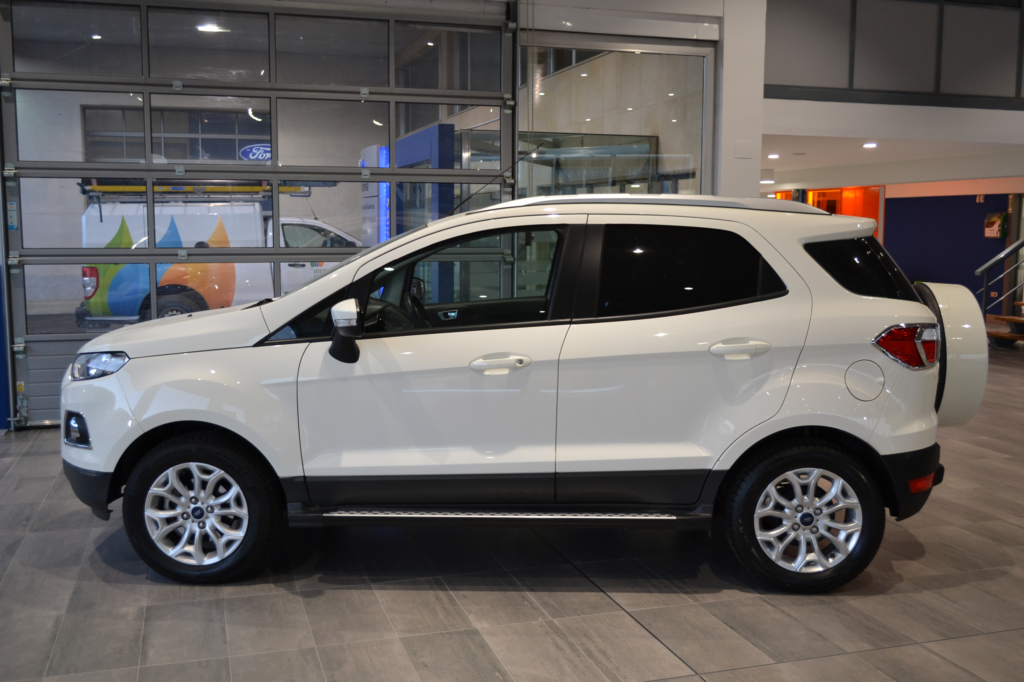 FORD-ECOSPORT-TREND