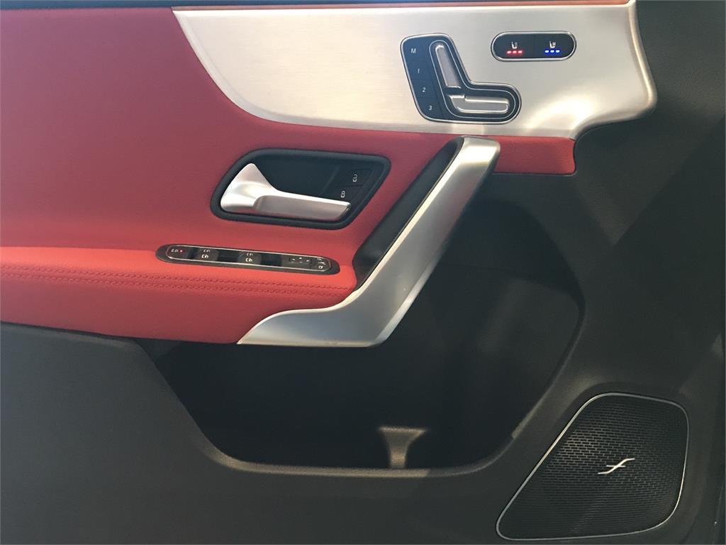 MERCEDES-BENZ Mercedes-AMG  A 35 4MATIC+ en Agro-Tracción Vehículos - Foto 12